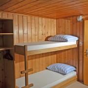 Schlafzimmer 4. Obergeschoss (Gruppenzimmer) – 8 Bettzimmer mit 4 Kleidergestellen (2/2)